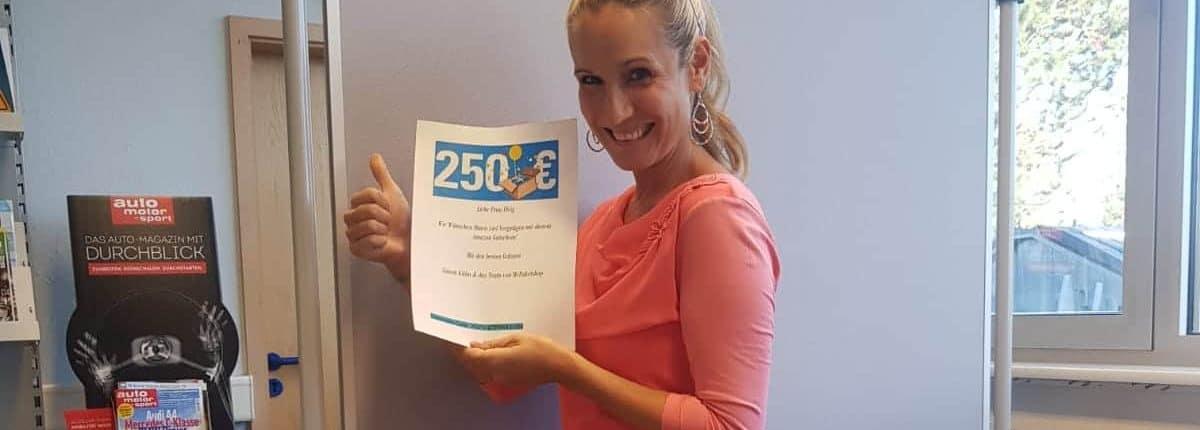 Katrin F. freut sich über ihren Gewinn vom MyPaketshop-Gewinnspiel.