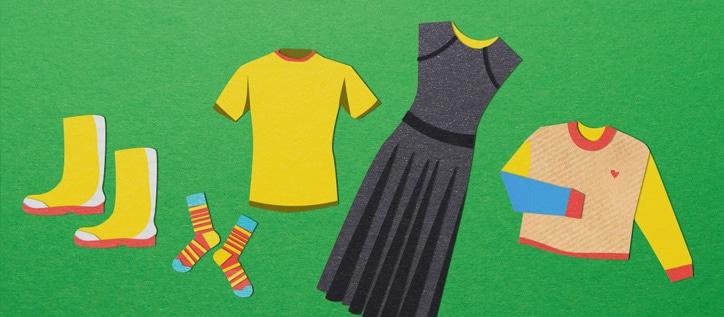 Kleidungsstücke: Kleid, T-Shirt, Shirt, Socken