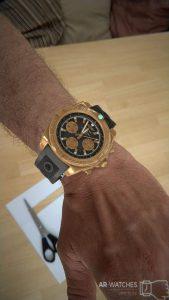 Goldene, virtuelle Uhr