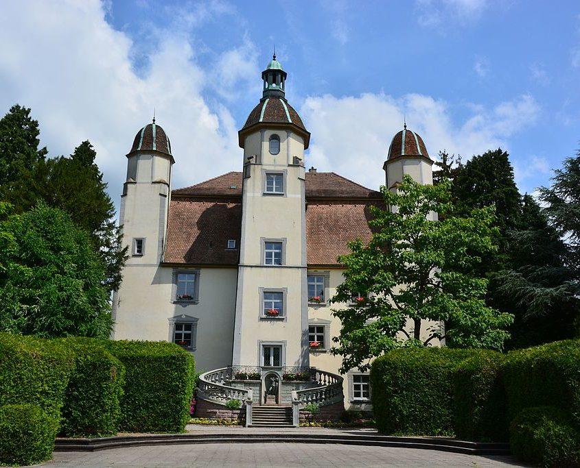 Frontalansicht Schloss